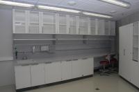 Научный центр Ahhaa. Лабораторный рабочий стол с модулем обслуживания Waldner GmbH