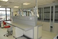 Островной стол лаборатории