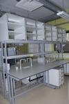 Laborikesklaud 19 mm paksuse kompaktplastikust tööpinnaga